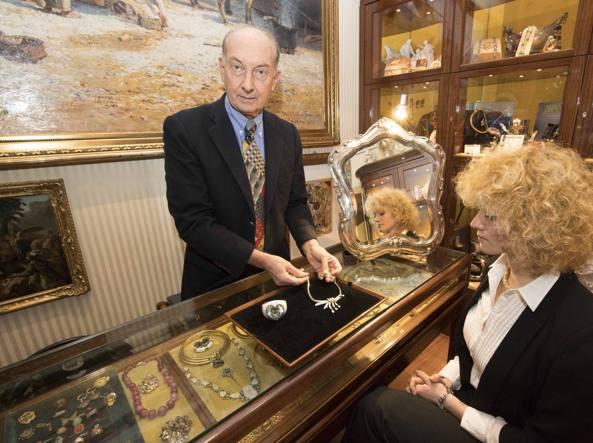 Da via condotti a new york in vendita i gioielli d epoca for Pasticceria da carlo new york