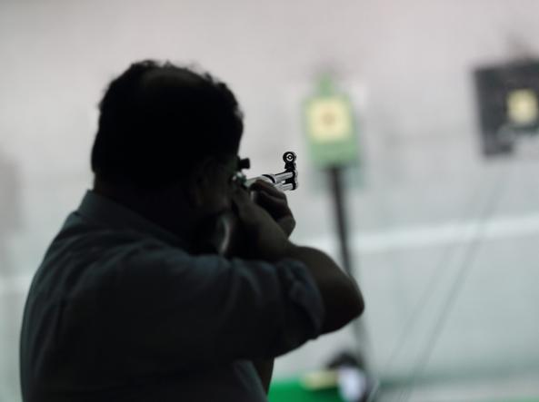 Va all'ospedale di Ponte a Niccheri armato di pistola, denunciato 87enne