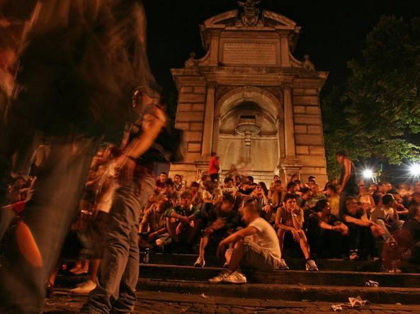 Roma, coppia gay aggredita a Trastevere: accerchiati e pestati