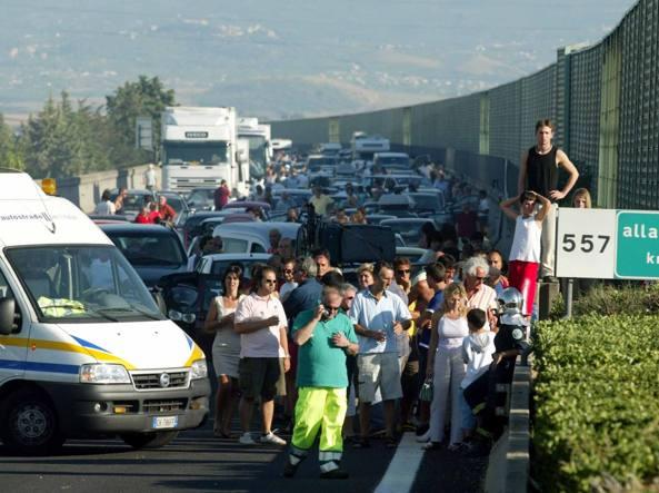 Schianto sulla A1, famiglia distrutta vicino Cassino