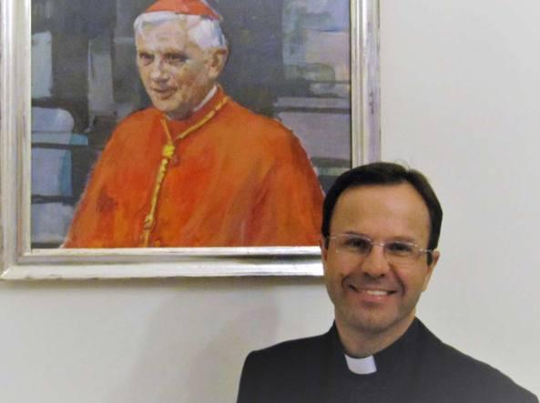 Scandalo in Vaticano, la denuncia di una suora: Violentata in confessionale
