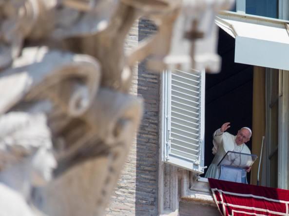 Papa: i discepoli di Gesù, persone che seguono la logica della fede