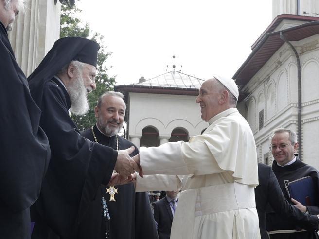 Il Papa: romeni emigrati ricchezza per altri Paesi