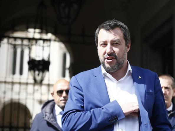 Matteo Salvini pronto alle dimissioni per il taglio delle tasse