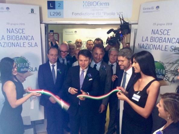 Sanità: Conte taglia nastro Biobanca Sla al Gemelli di Roma