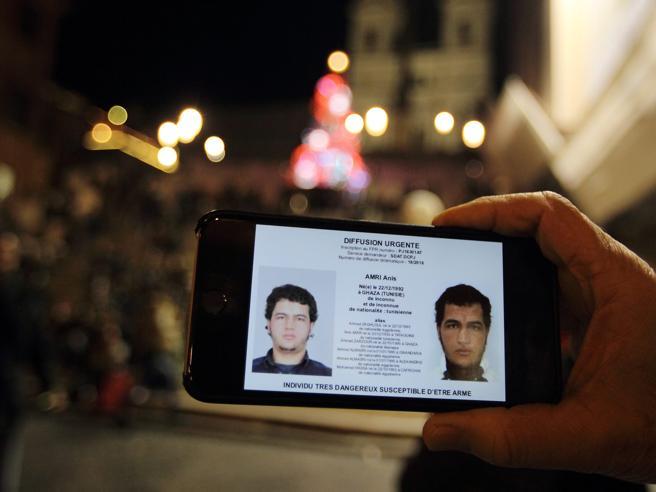 Napoli, operazione di Polizia contro Hub del falso documentale