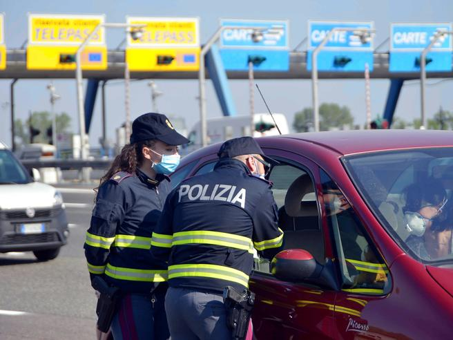 Inseguimento sul Raccordo a Roma: morta una diciottenne, 5 feriti gravi