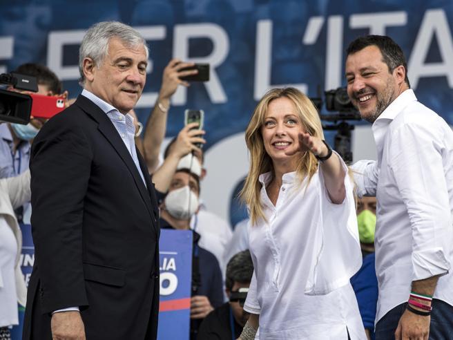 Berlusconi: 'Terzo posto risultato storico per il Monza, faremo ancora meglio'