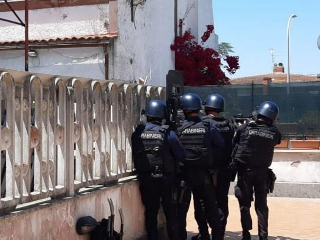 Sparatoria ad Ardea, l'aggressore trovato morto in casa