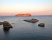 L'isola-ergastolo di Santo Stefano vista da Ventotene