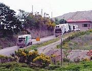 Compattatori diretti alla discarica a Bracciano (foto da Cinque Quotidiano)