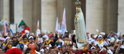 La Madonna di fatima in piazza San Pietro (Afp)