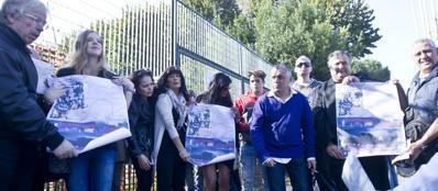 La protesta dei giostrai davanti ai cancelli del Luneur (Jpeg)