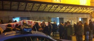 Una protesta nel 2011 per la chiusura del cinema Metropolitan