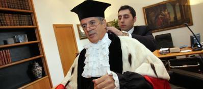 Luigi Frati, rettore de La Sapienza: dal 1° novembre dovrebbe essere in pensione ma ha chiesto una deroga
