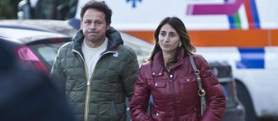 Emanuele Tornaboni insieme alla ex moglie, madre di uno dei due piccoli ritrovati dopo una notte sul Monte Livata all'addiaccio (Mario Proto)