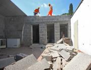 Demolizione di un abuso edilizio nel parco dell'Appia Antica (Jpeg)