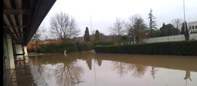L'alluvione al  Cara di Castelnuovo di Porto (Ansa)