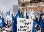 La protesta sottolinea il problema dell'eccessivo carico fiscale (fotogramma)