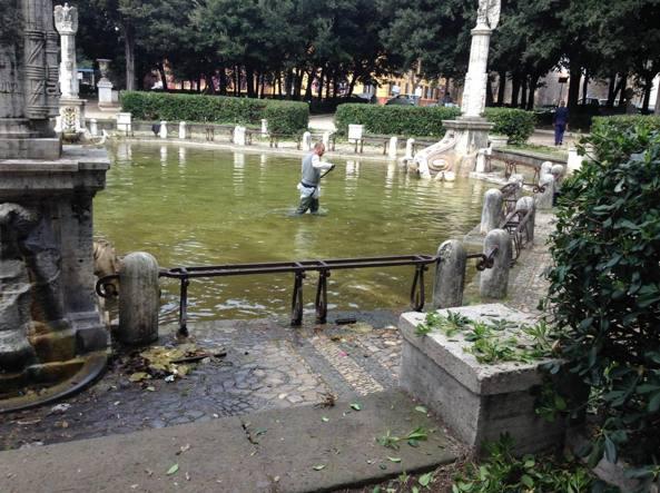 Great Piazza Mazzini, La Fontana   Palude E Il Verde Ridotto A Discarica E  Bivacco   Corriere.it