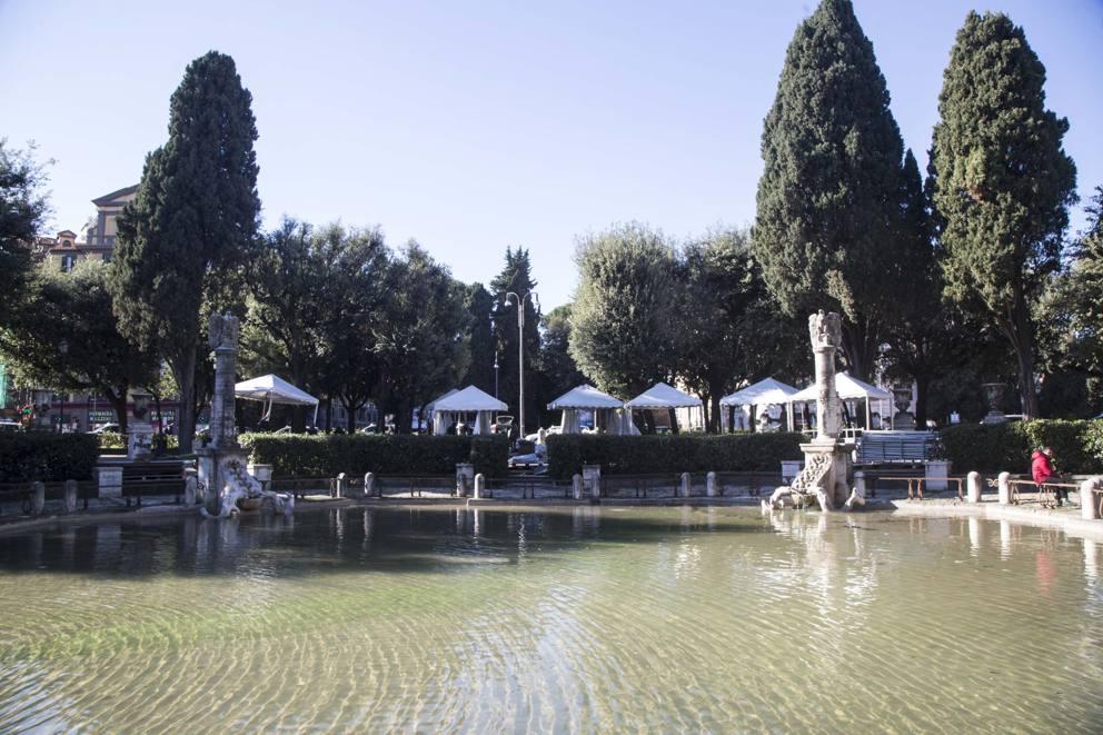 Piazza Mazzini, I Residenti: «Un Letamaio»