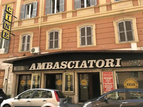 film a luci rosse elenco massaggiatrici italiane a torino