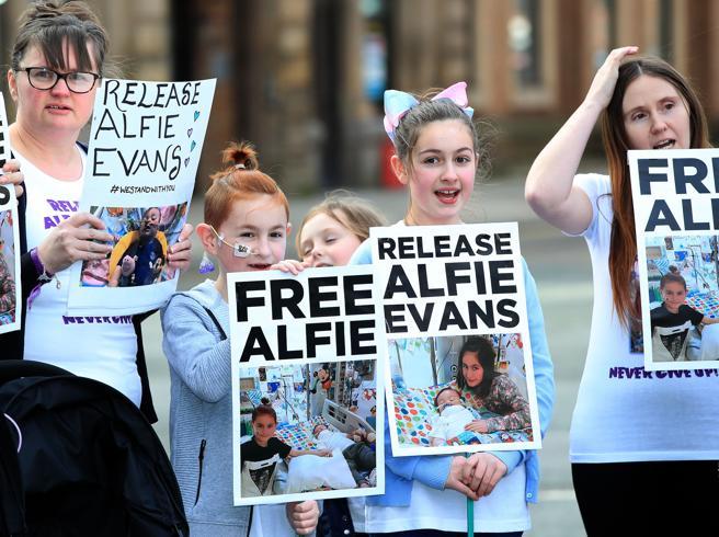 Alfie Evans,  il Bambin Gesù di Roma è pronto ad accoglierlo