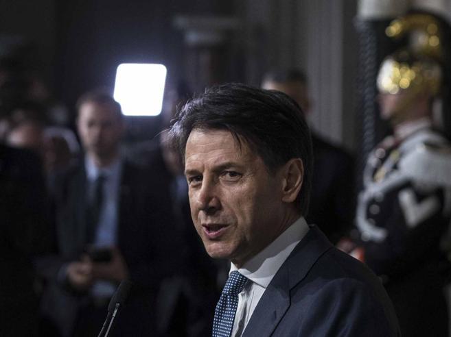Conte: «Subito il reddito di cittadinanza»Il Toto-ministri: 8 caselle ancora in bilico