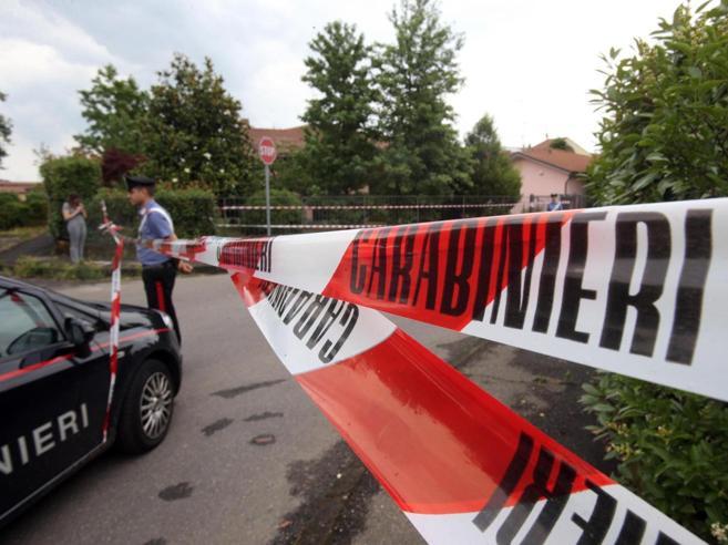 Latina, colpi pistola aria compressa contro due migranti