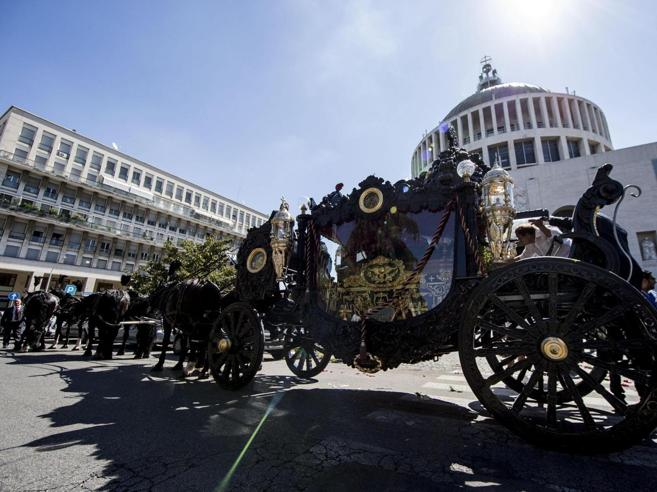 Colpo ai Casamonica: 31 arresti, 6 ricercati Dal funerale s