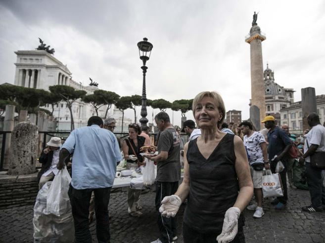 Foro Traiano, da 20 anni la Ronda della Solidarietà: pasti caldi e assistenza