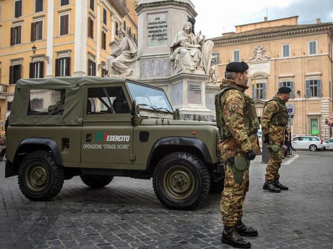 Roma, palazzo Grazioli: si toglie la vita caporale di 25 anni