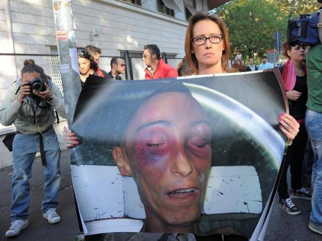 La sorella Ilaria: «Il muro è stato abbattuto, in tanti dovranno chiedere scusa»