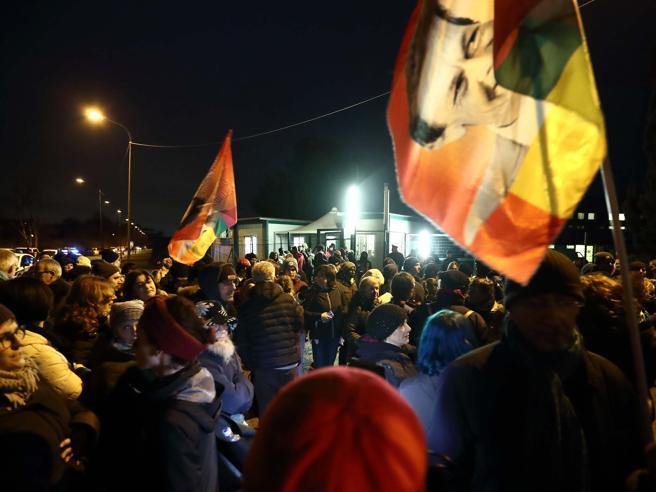 Roma, chiuso il Cara di Castelnuovo: migranti trasferiti in