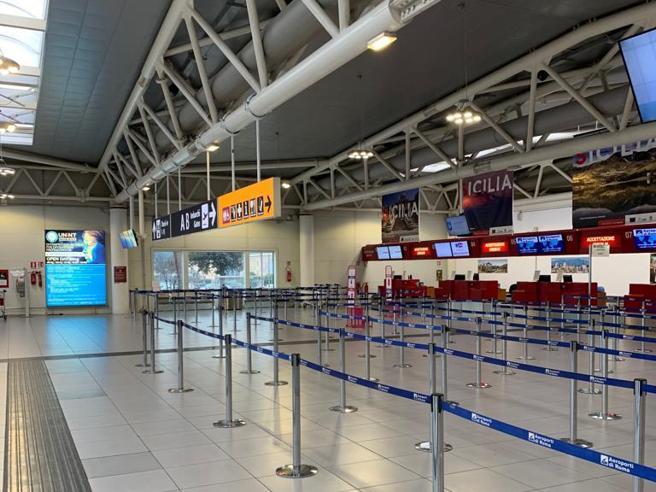 Fumo all'aeroporto di Ciampino Scalo chiuso alle partenze anche domani|I disagi: il video