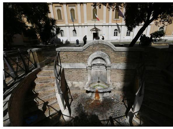 b525c2a5bb Borgo Pio, rione salvo dalla movida ma scomparsi del tutto gli ...
