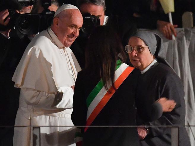 Il Papa prega per poveri, migranti e bambini sfruttati: «Son