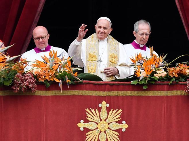 Il Papa: «Dolore per lo Sri Lanka ma Dio non abbandona chi soffre»