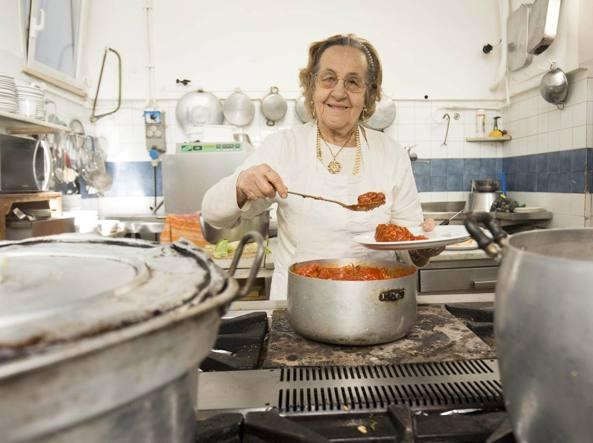 È morta la sora Pina, la cuoca del «Biondo Tevere» che servì Pasolini  |