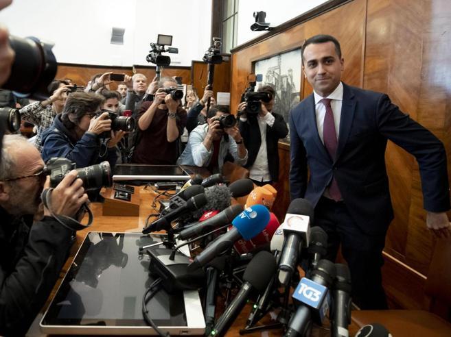 Di Maio: «Ditemi se volete che rimanga al governo»