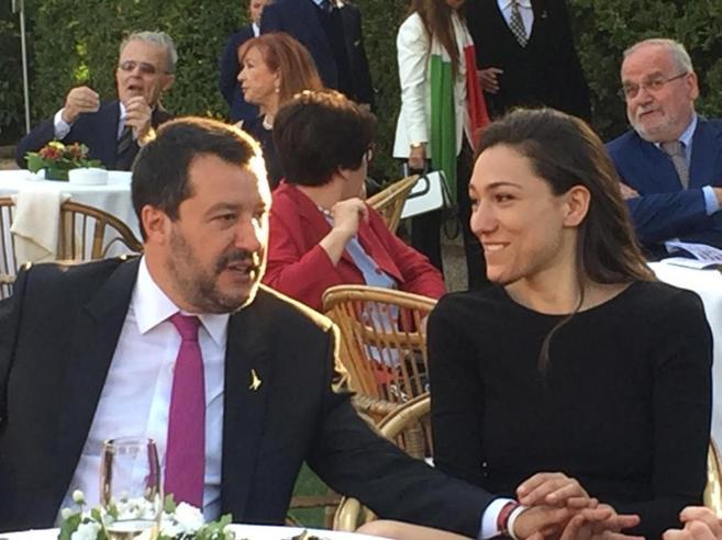 Di Maio-Salvini, disgelo al QuirinaleStrette di mano e sorrisi: «Ci vediamo?»