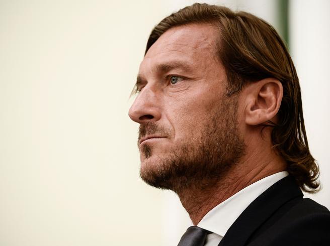 L'addio di Francesco Totti alla Roma: «Per me oggi è come morire»