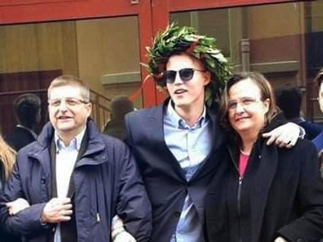 Francesco, morto alla festa alla Sapienza|Salvini: «Perché il rettore tollera l'illegalità»?