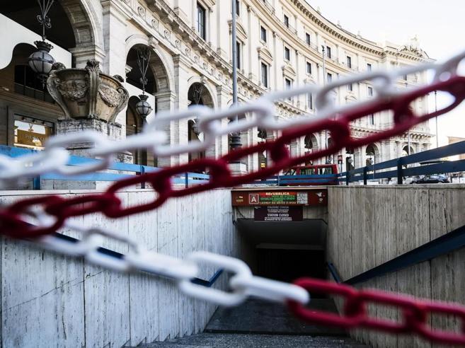 Roma, riapre (dopo 246 giorni) la fermata metro Repubblica