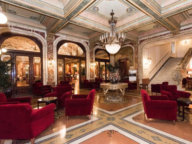 Roma, patron del Plaza non versava tassa soggiorno: patteggia la ...