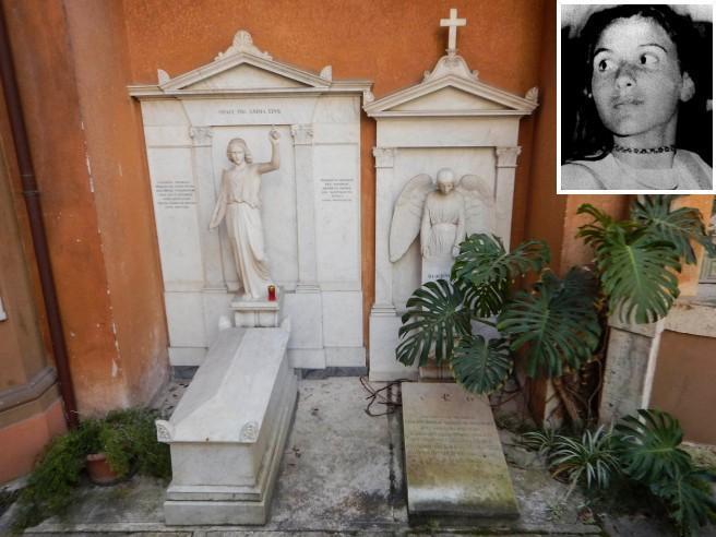 Emanuela Orlandi, aperte le due tombe al cimitero Teutonico: sono vuote