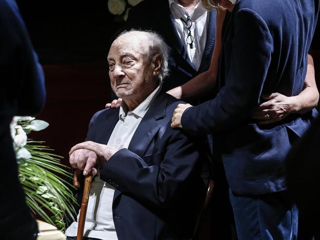 La Capria   e  l'ultimo abbraccio  a Ilaria Occhini: «Un amore immenso in 58 anni» Video
