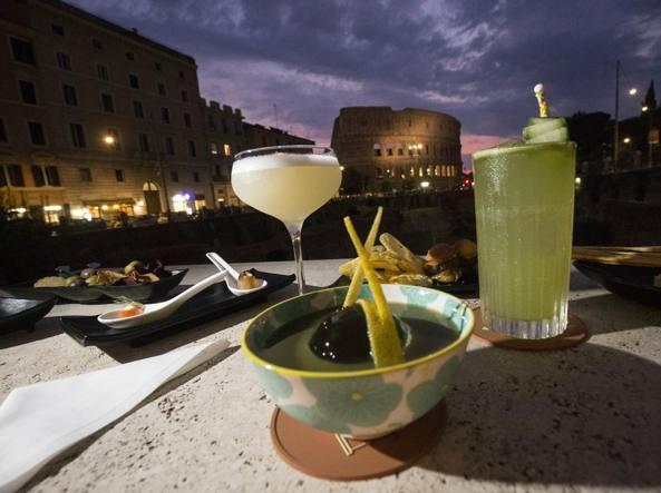 Roma Vista Dalle Terrazze Tra Drink Finger Food Stellati E