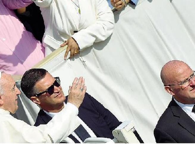 Vaticano, la fuga di notizie e l'addio del capo della gendarmeria: «Tanta amarezza»