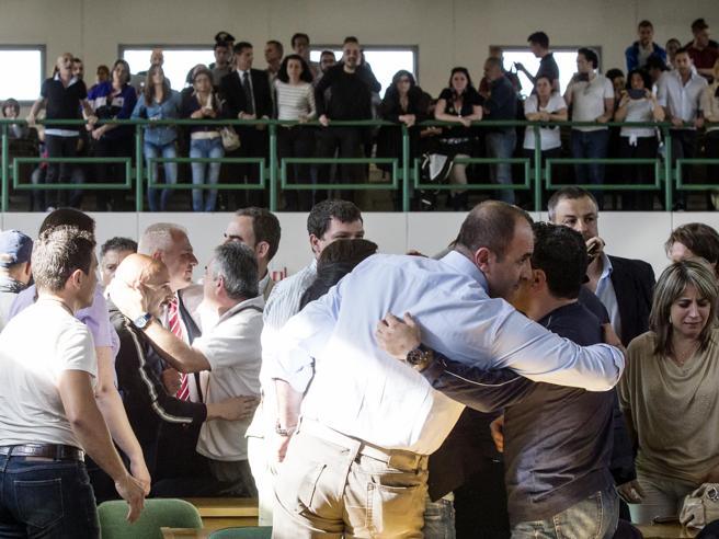 Processo Cucchi, gli agenti penitenziari scagionati ora chiedono un milione a testa